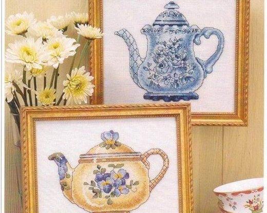 Maries garden: Floral Teapots