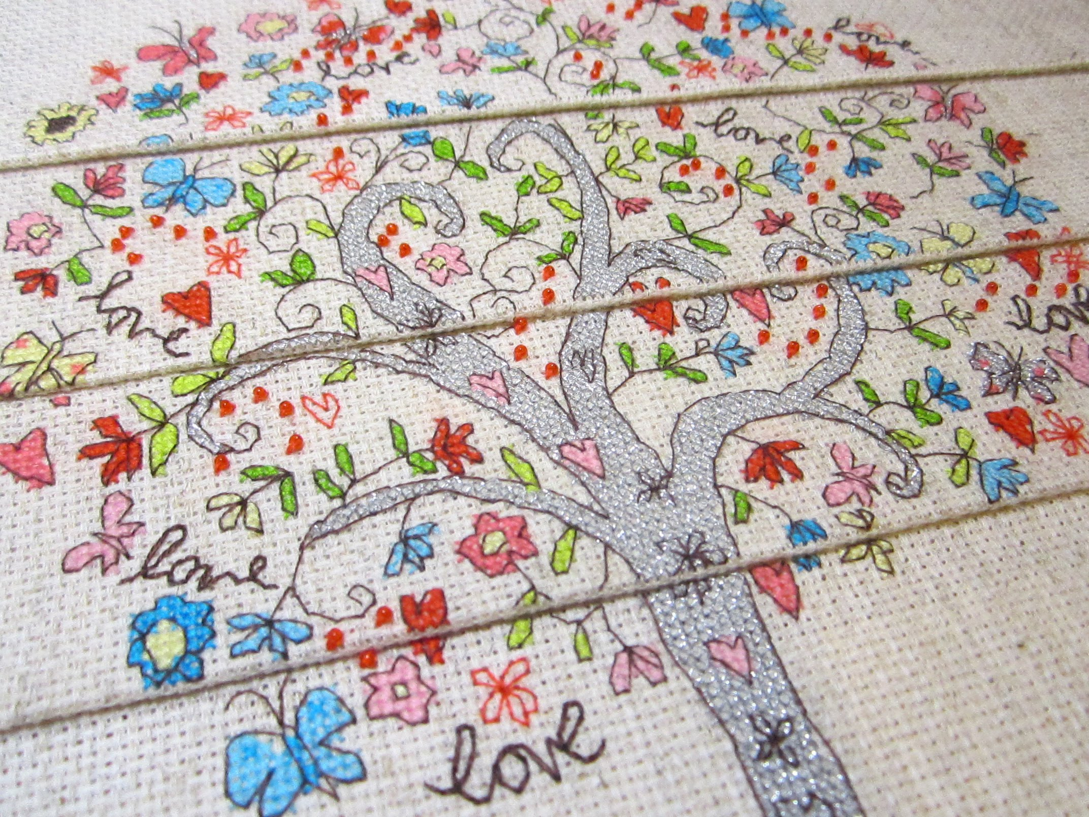 Bothy Threads: Love Tree